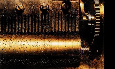 """I Placebo e il carillon della ribellione di """"Black Market Music"""""""