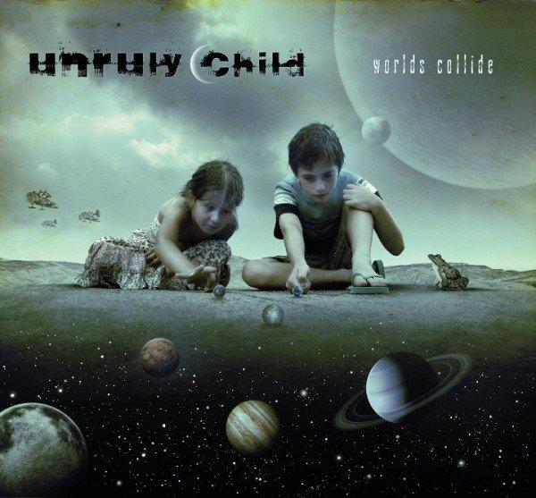 """Il ritorno degli Unruly Childa Neverland, la copertina di """"Worlds Collide"""""""