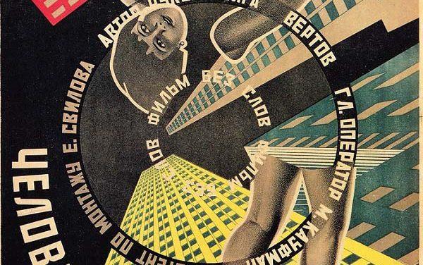 """Le avanguardie sovietiche nel poster del film """"L'Uomo con la Macchina da Presa"""""""