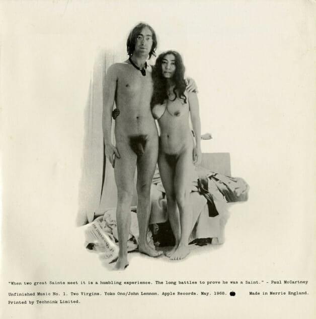 "John Lennon e Yoko Ono messi a nudo: la controversa cover di ""Two Virgins"""
