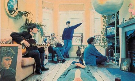 """A day in the life: frammenti di vita degli Oasis sulla cover di """"Definitely Maybe"""""""
