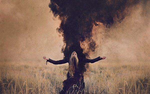 """Relazione tra cielo e terra e purificazione spirituale. I Marche Funèbre e la copertina di """"Einderlicht"""""""