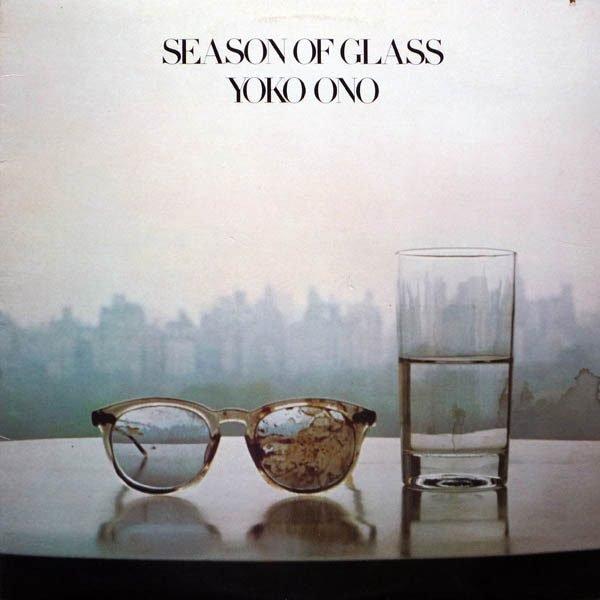 """Camminando sul ghiaccio: il dolore e la speranza in """"Season Of Glass"""" di Yoko Ono"""