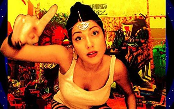 Ti.Po.ta, l'universo musicale di Manu Chao arricchito dalla femminilità di Klelia Renesi